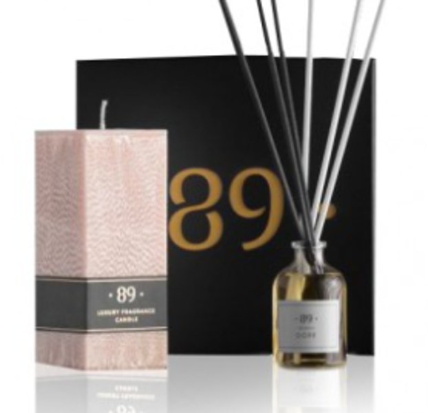 AROMATIC • 89 • INFINITY FLOW SET HOME SCENT CANDLE Dāvanu komplekts